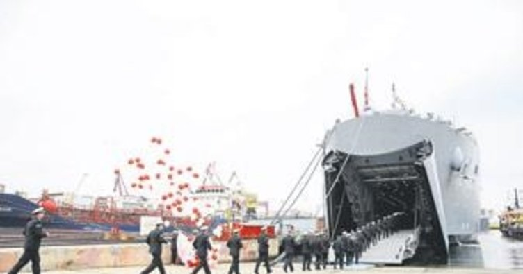 Savaş gemilerine ücretsiz ziyaret