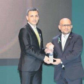 Yeşilay'dan Turkcell'e 'Sorumluluk Ödülü'