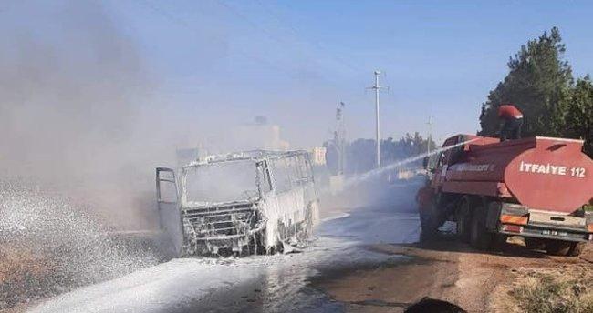 Şanlıurfa'da işçi servisi cayır cayır yandı
