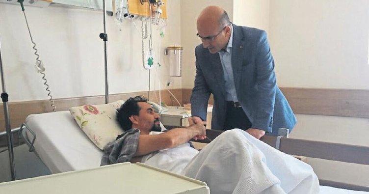 Yaralı öğretmene vali Demirtaş'tan ziyaret