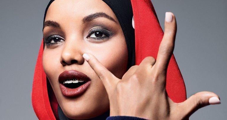 Mülteci kampından podyumlara dünyanın top tesettür modeli:  Halima Aden
