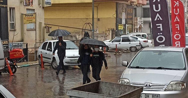 Şanlıurfa'da beklenen yağmur başladı