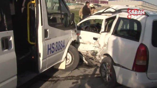 SON DAKİKA: İstanbul Esenyurt'ta işçi servisi ile hafif ticari araç çarpıştı: 8 yaralı