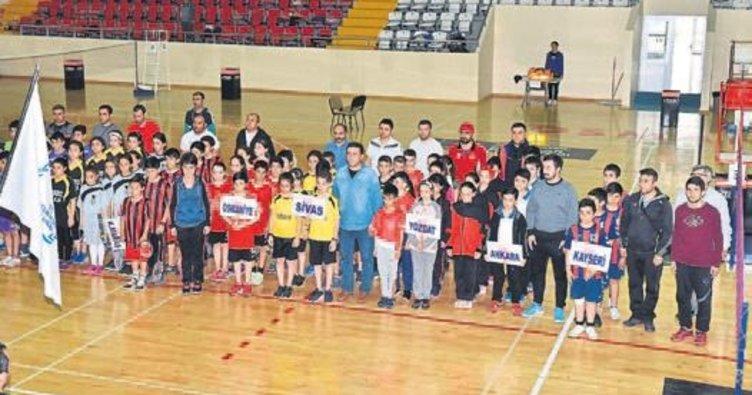 Badmintonda grup müsabakaları