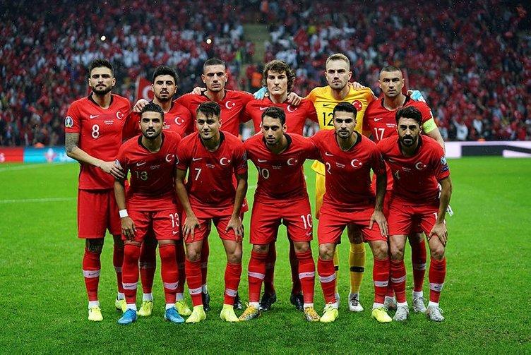 Merih Demiral, EURO 2020 Elemeleri'nin en iyi 11'ine seçildi