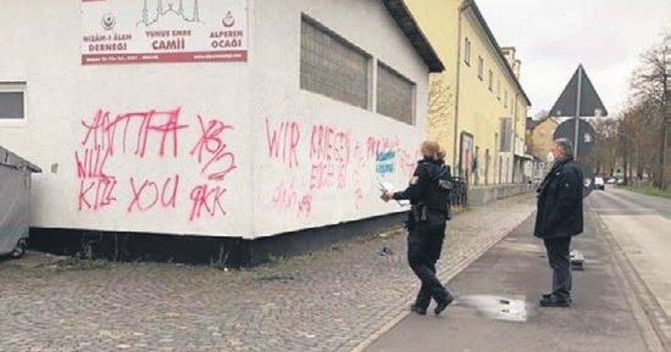 Almanya'da PKK'dan camiye çirkin saldırı