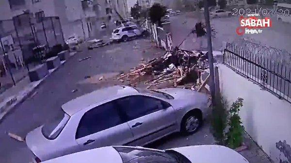 Gaziantep'te fırtınanın uçurduğu çatı çocukların oynadığı alana düştü   Video