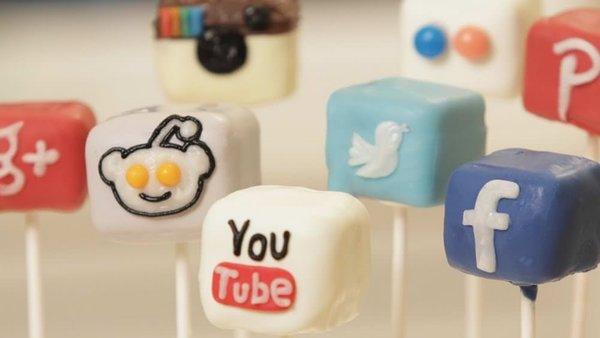 Ünlü isimlerden sosyal medyaya veda