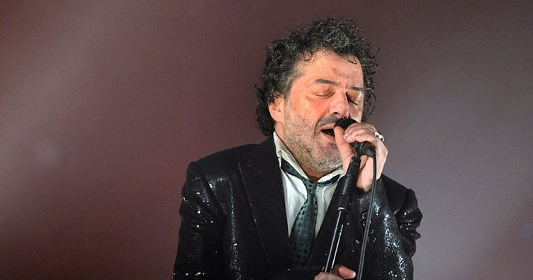 Cezayır asıllı şarkıcı Rachıd Taha son yolculuğuna uğurlandı