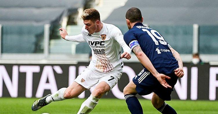 Juventus'a Benevento'dan ağır darbe!