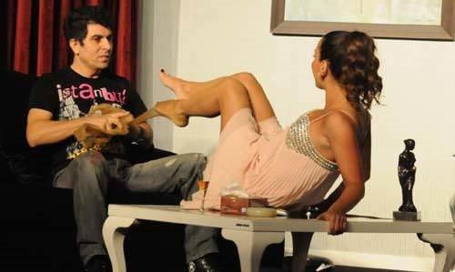Yeliz Şar'dan tiyatroda 'Canlı Yayın'