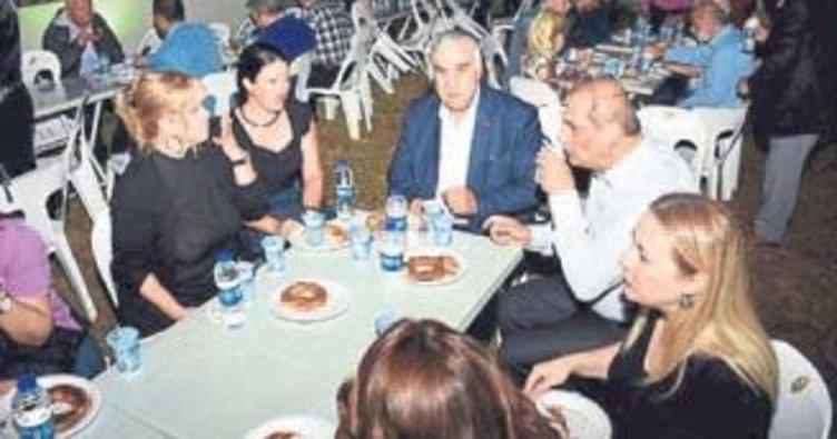 İzmir'de ümmet iftarı
