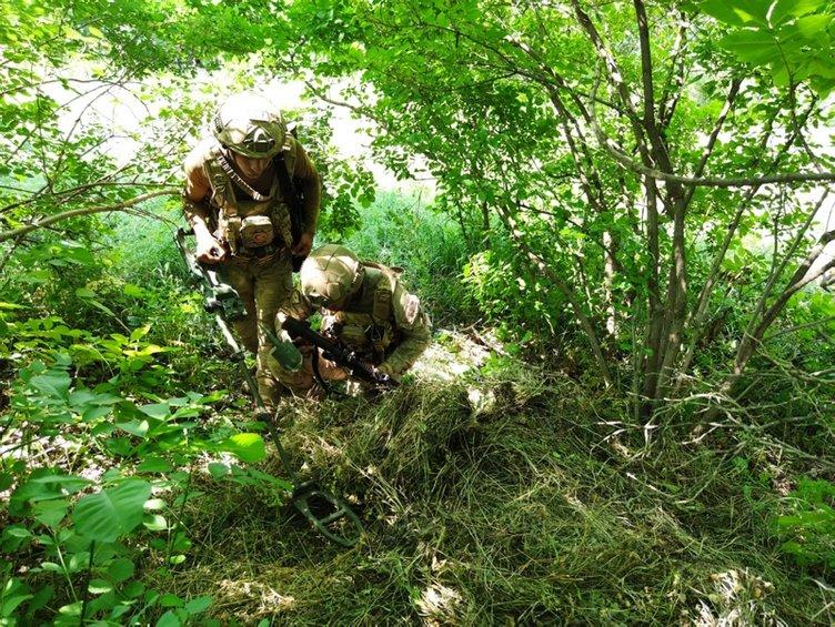Yıldırım-2 Cilo Operasyonunda PKK'lı teröristlere ait silah ve mühimmat ele geçirildi