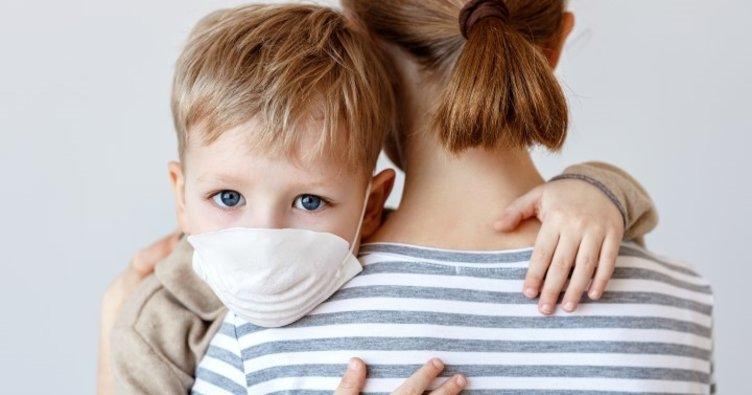 Çocuklara desenli maske taktırırken dikkat