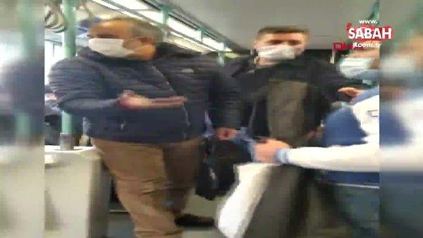 İstanbul'da tramvayda maske için uyaran kişiye