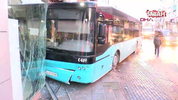 Son dakika! İstanbul Ümraniye'de özel halk otobüsü iş yerine girdi | Video