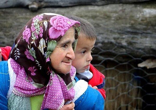 Büyükanne maaşının şartları belli oldu!