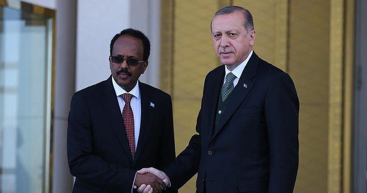 Erdoğan ile Somali Cumhurbaşkanı Fermacu bayramlaştı