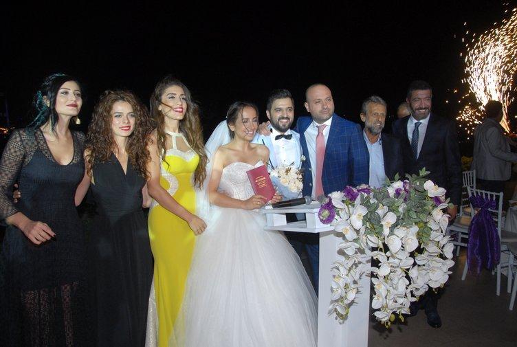 Ünlüler bu düğünde buluştu!