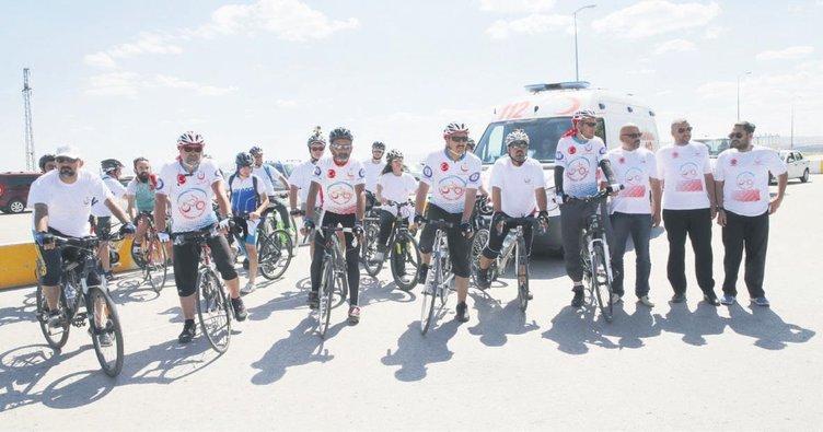 Şehitler için bisiklet turu