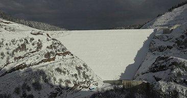 Akçay Barajı'nın 75 metrelik gövdesi tamamlandı