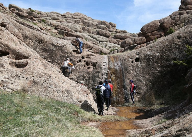 Emirhan Kayalıkları ziyaretçilerini büyülüyor