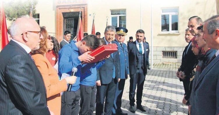 Çanakkale emanetleri Ankara'ya doğru yola çıktı