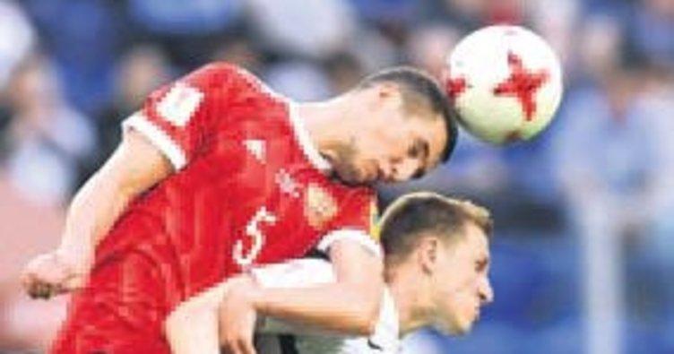 Konfederasyonlar Kupası'na ev sahibi Rusya iyi başladı