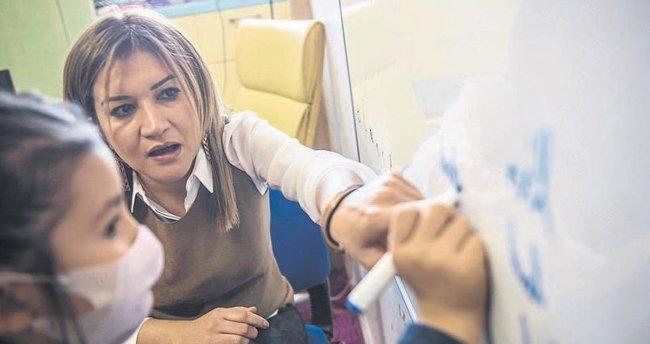 Hasta öğrencilerin 'eğitim meleği