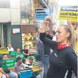 İBB'den kovulan işçiler CHP önünde eylemde
