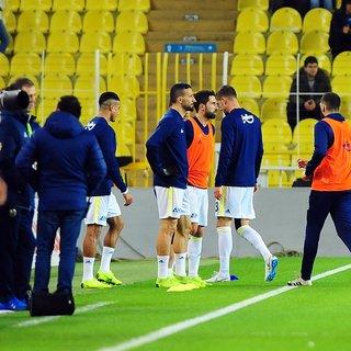 Fenerbahçe taraftarlarından oyunculara sert tepki