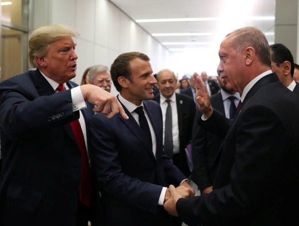 Erdoğan, Trump ve Macron'dan NATO zirvesinde samimi sohbet