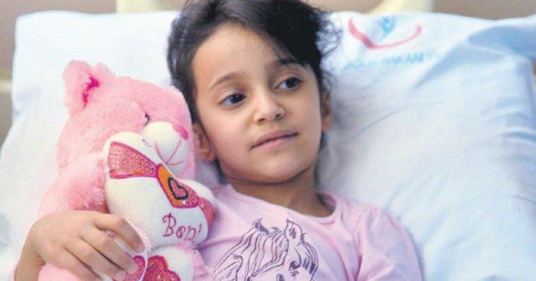 Pil yutan Ebrar 4 yıldır hastanede