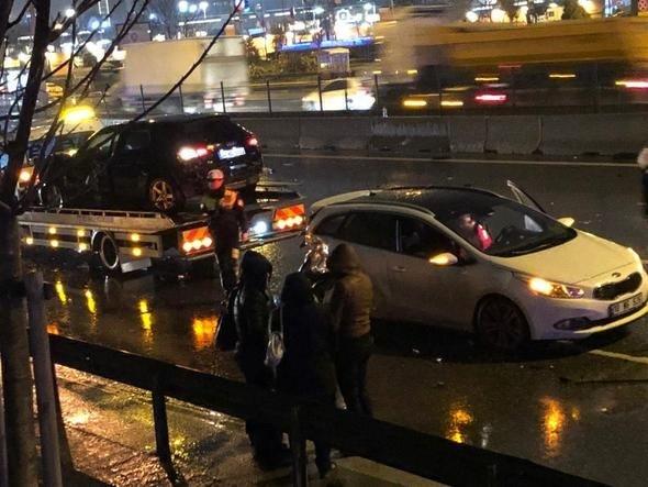Son dakika: E-5'te zincirleme trafik kazası! Bir kişi öldü, 4 kişi de yaralandı
