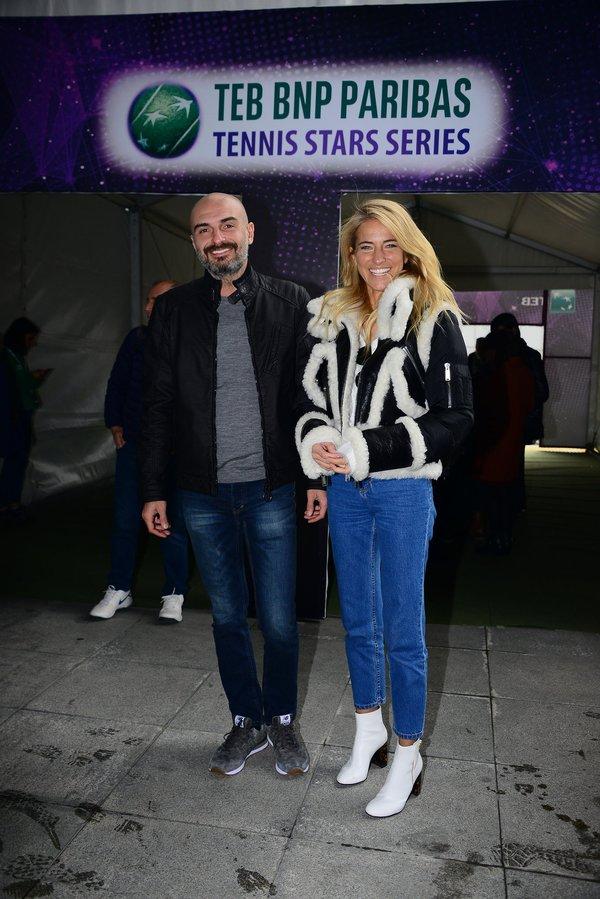 Burcu Esmersoy Mikonos'ta bekarlığa veda partisi düzenleyecek