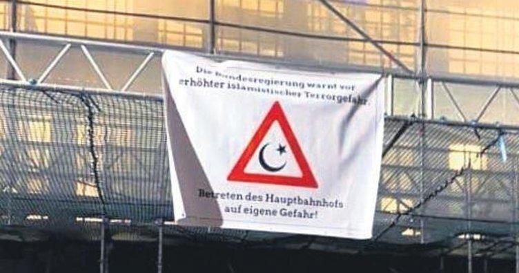 Tren garına skandal afiş