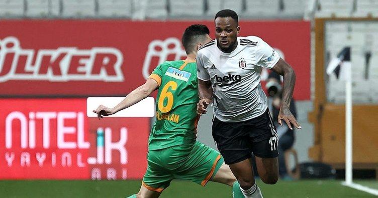 Beşiktaş Alanyaspor maçına damga vuran pozisyon! Öyle bir gol kaçtı ki...