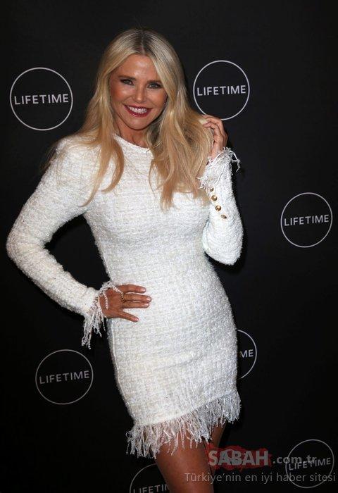 Christie Brinkley gençlik iksiri içmiş gibi... Ünlü model Christie Brinkley'in yaşını duyan inanamıyor!