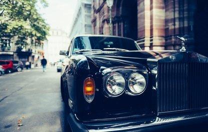 Rolls-Royce aydınlatmalı rozetleri sökecek