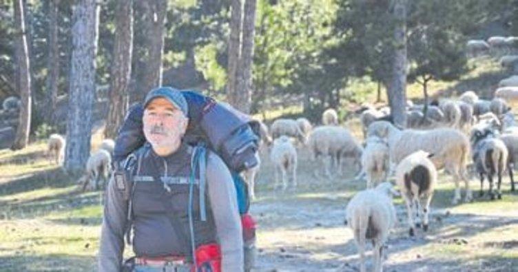 Yörüklerin göç rotası için 1000 km yürüdü