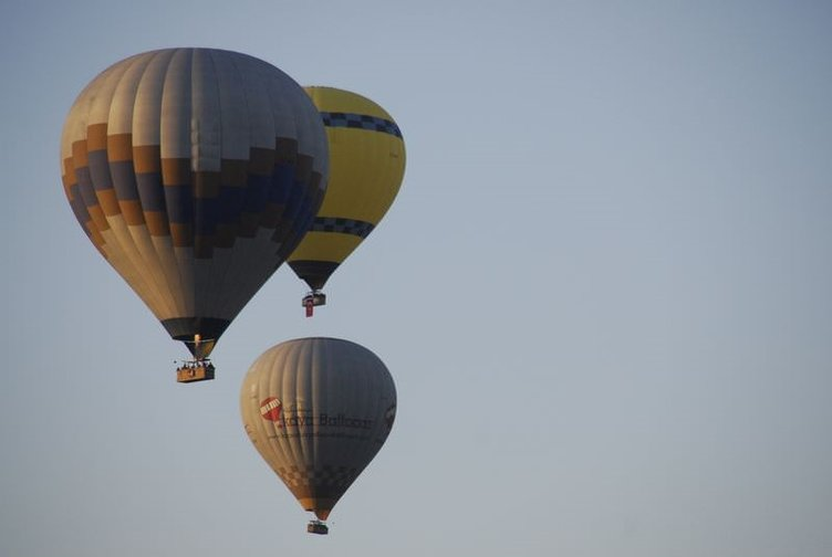 Kapadokya'da balonlar Ata'ya saygı için havalandı