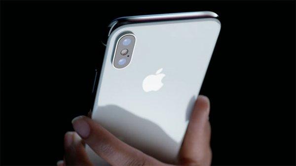 iPhone X, iPhone 8'lerin gerisinde kaldı!