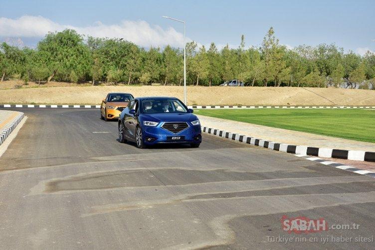 KKTC'de bir ilk! Cumhurbaşkanı Ersin Tatar yerli otomobilin direksiyonuna geçti...