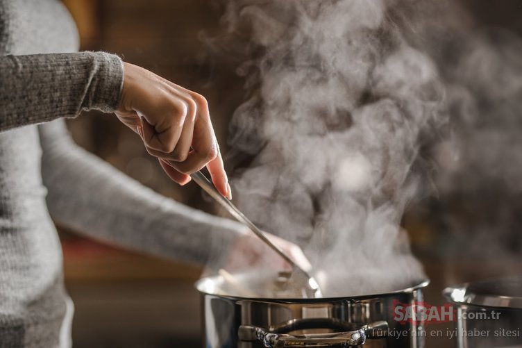Eve sinen yemek kokusunu anında yok eden pratik yöntemler!