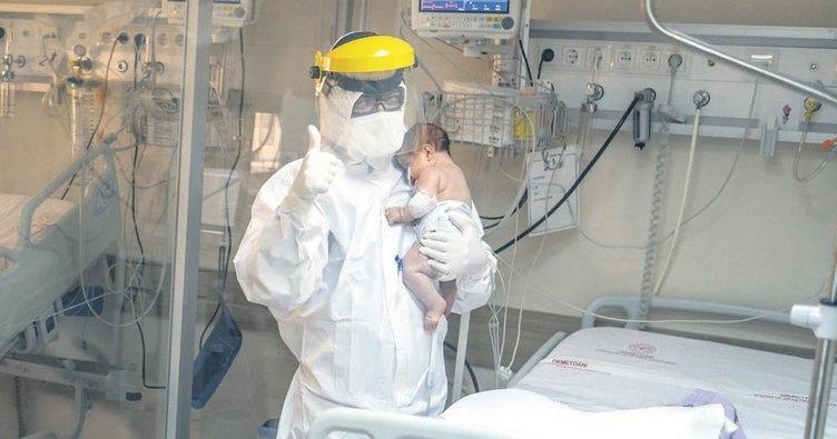 Minik korona hastalarına yavrumuz gibi bakıyoruz