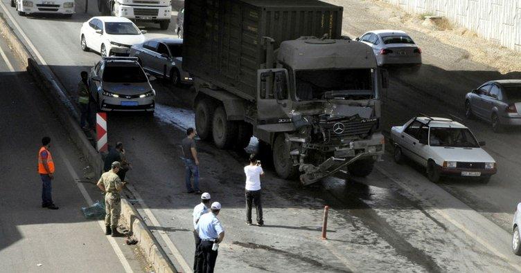 Gaziantep'te askeri konvoyda kaza: 1 asker yaralı