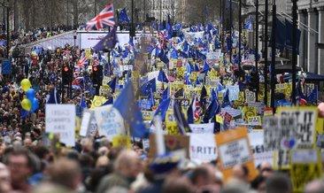 Brexit karşıtı 1 milyon İngiliz sokağa döküldü