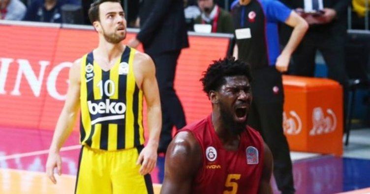 Alex Poythress Galatasaray'dan Zenit'e transfer oldu