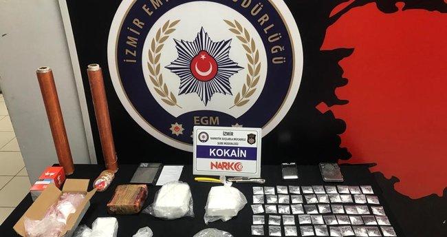 Kokain Satıcıları Müşteri Kılığındaki Polislere Yakalandı