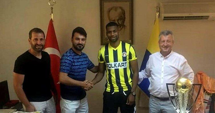 Menemenspor, İbrahim Sangare ile 2 yıllık sözleşme imzaladı